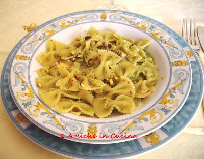 Farfalle al Pesto di Zucchine, Pistacchi e Zenzero