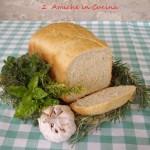 pane aromatico alle erbe con macchina del pane