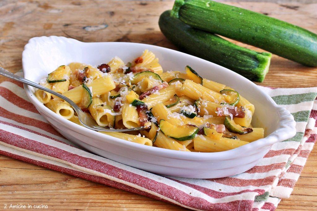 Rigatoni alla carbonara di zucchine