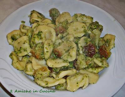 Orecchiette Broccoli e Crostini di Pane