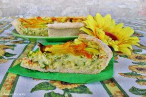 Crostata salata con zucchine e fiori di zucca