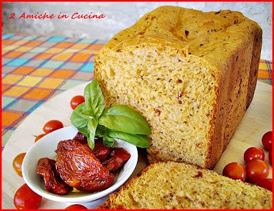 Pane ai Pomodori Secchi e Basilico
