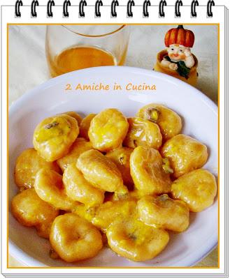 Gnocchi di Zucca e Patate con Crema di Formaggi e Salsiccia