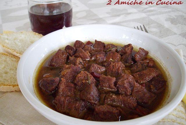 Cucina Regionale Umbra:Spezzatino Marinato al Vino Rosso