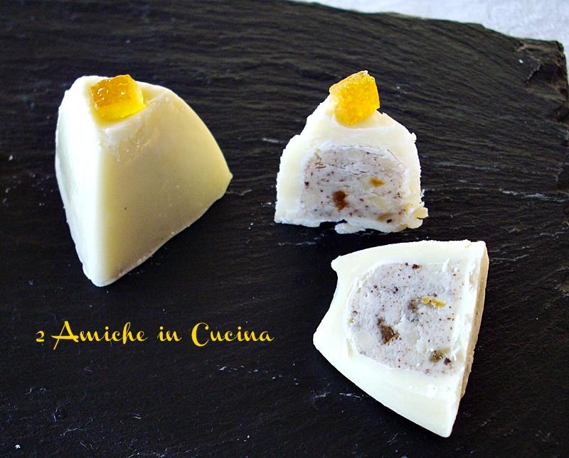 cioccolatini al cioccolato bianco, caffè, mandorle e arancia