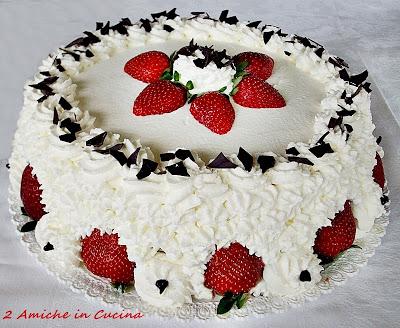Torta panna e fragole per il mio compleanno