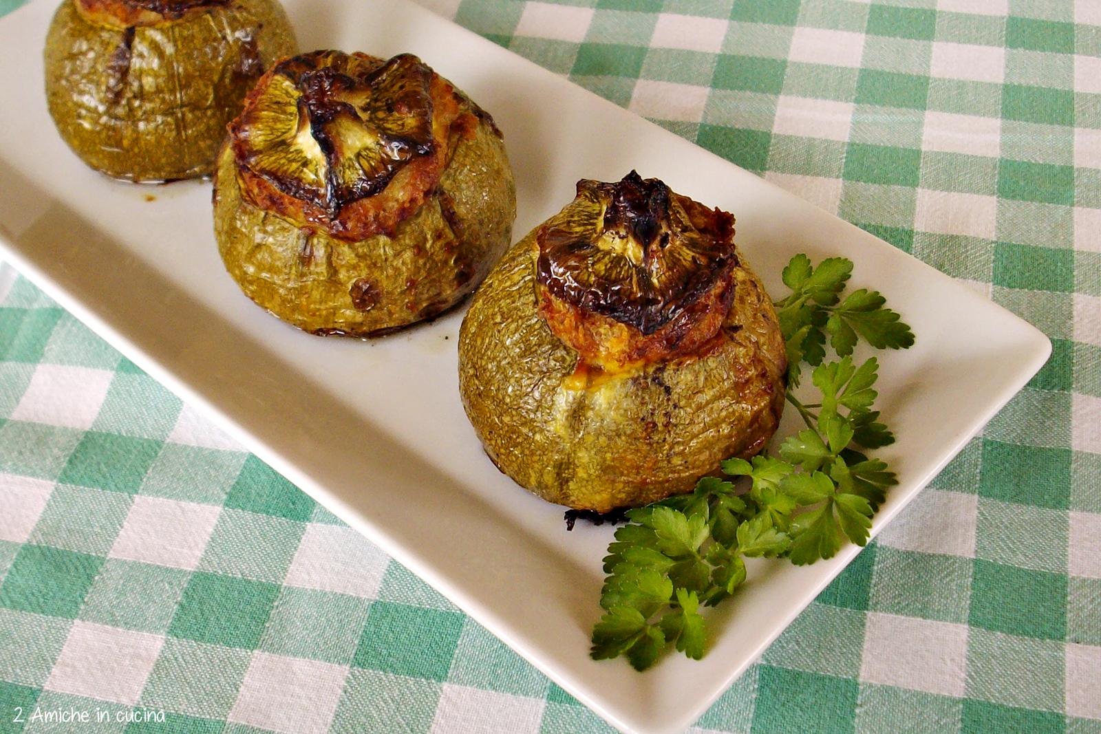 Zucchine ripiene di tonno, ricetta per l'estate