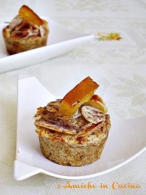 Dolcetti di Cous Cous di Farro Integrale con Cioccolato, Mandorle e Scorzette d'Arancia