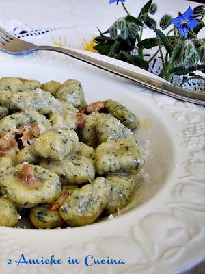 Gnocchi alla Borragine con Salsiccia e Parmigiano