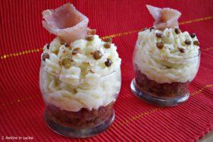 Bicchierini di lenticchie di Colfiorito con crema di patate e tonno affumicato, finger food per Capodanno