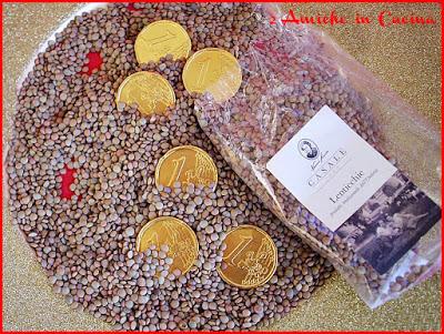 bicchierini di lenticchie di Colfiorito, tonno affumicato e patate, ricetta per Capodanno