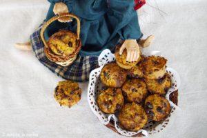 Dolcetti della Befana al panettone con arancia e cioccolato, ricetta per riciclare gli avanzi di panettone