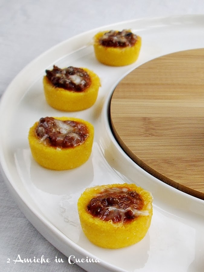 Bocconcini di Polenta con Salsa di Lumache alla Cantalupese