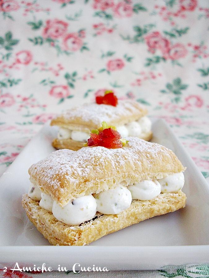 Millefoglie con Mousse di Pistacchio e Fragole per Re-cake