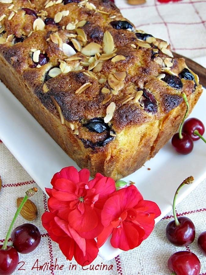 Plum cake Ciliegie e Mandorle