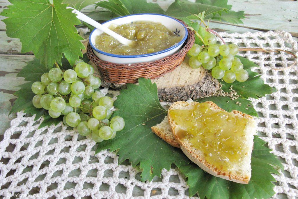 Confettura di uva all'anice