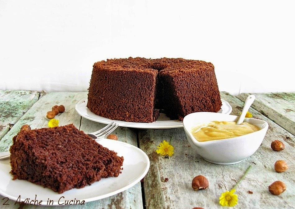 Chiffon cake alle nocciole e cacao, ricetta senza lattosio