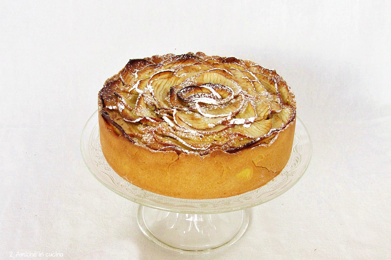 Torta di mele con crema al marsala, uvetta e noci