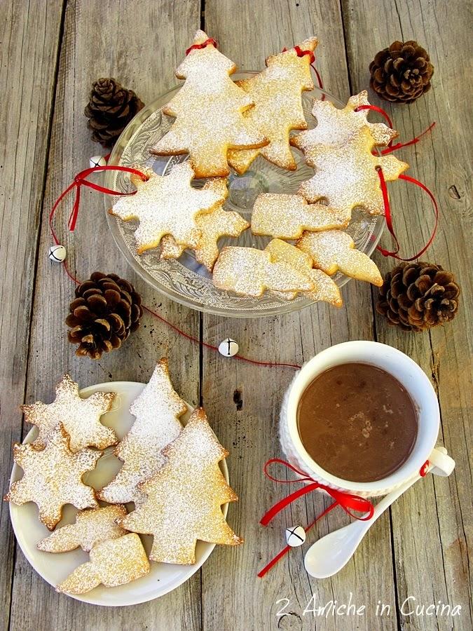 Biscotti natalizi con mandarino e spezie
