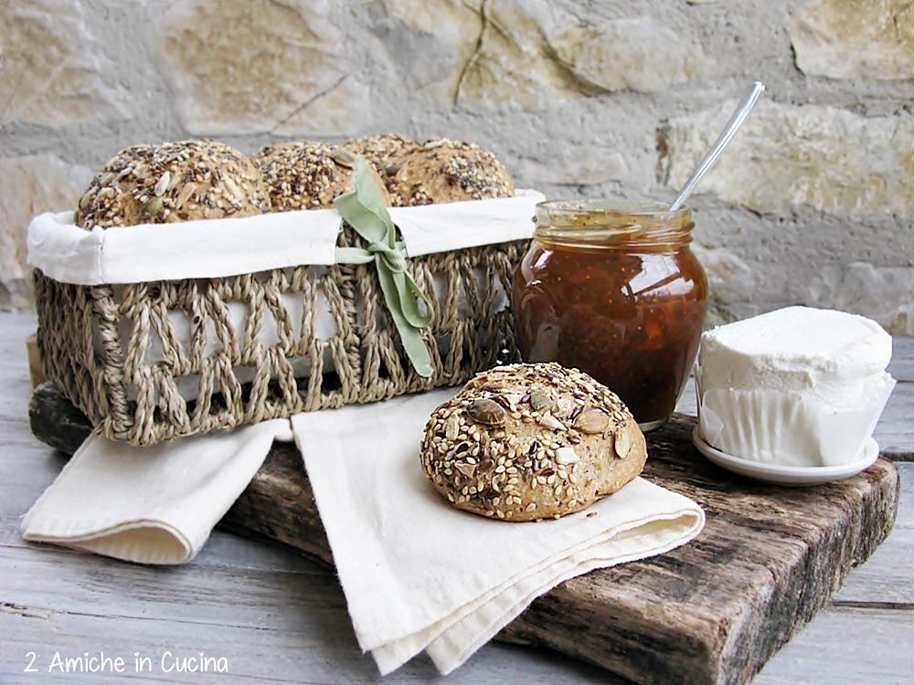 Pane di segale ai semi con pasta madre per il #pmday15