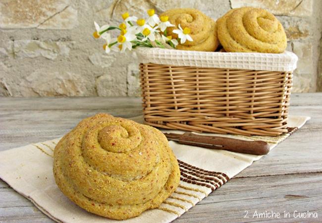 Chiocciole di pane con farina gialla di Storo e pasta madre