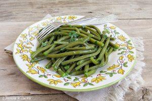 Fagiolini all'aglio e mentuccia