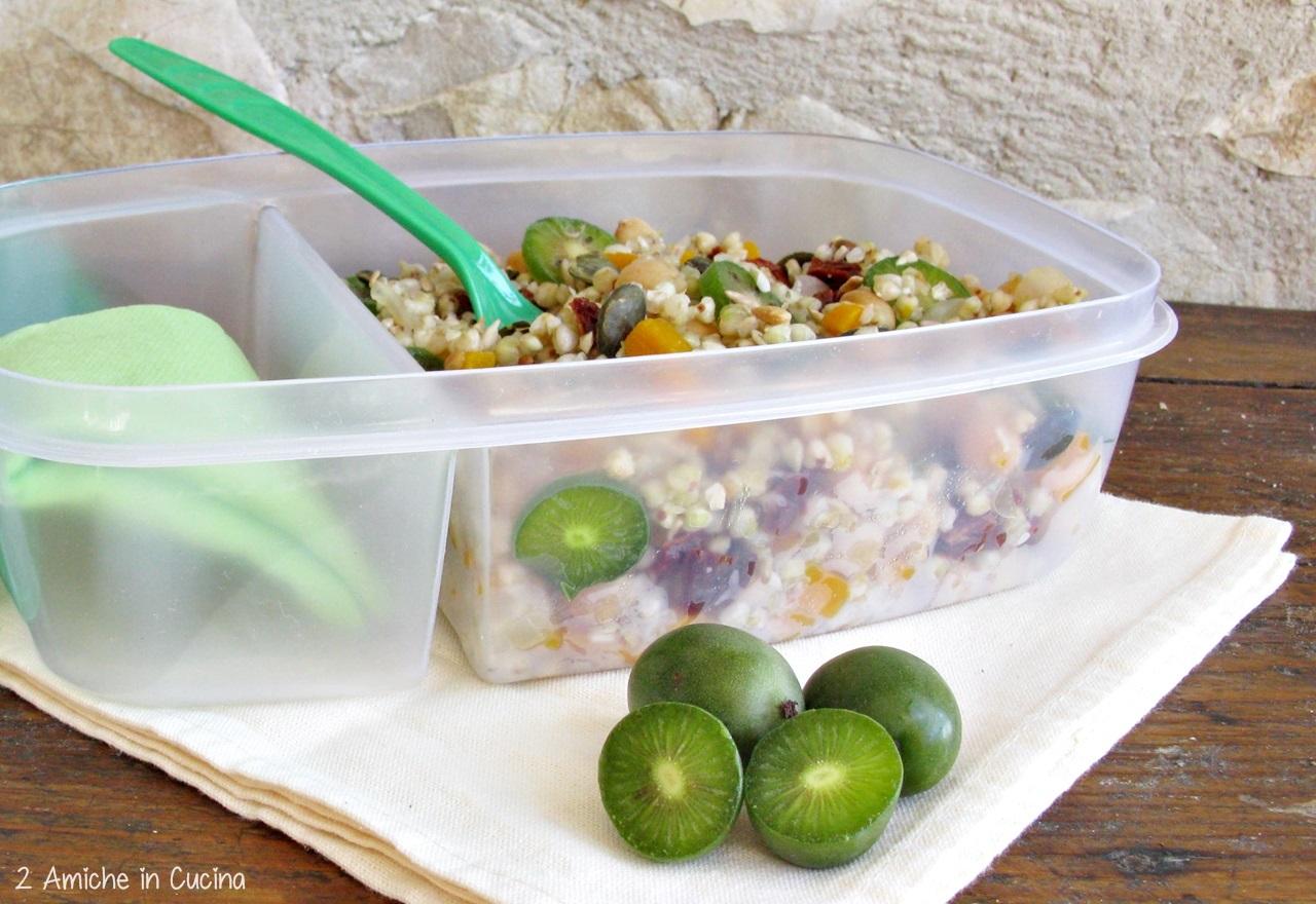 nsalata di grano saraceno, ceci, pomodori secchi, Nergi, zucca e semi