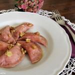 Ravioli di barbabietola e patate al burro e noci