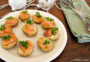 Patate al forno con salmone affumicato
