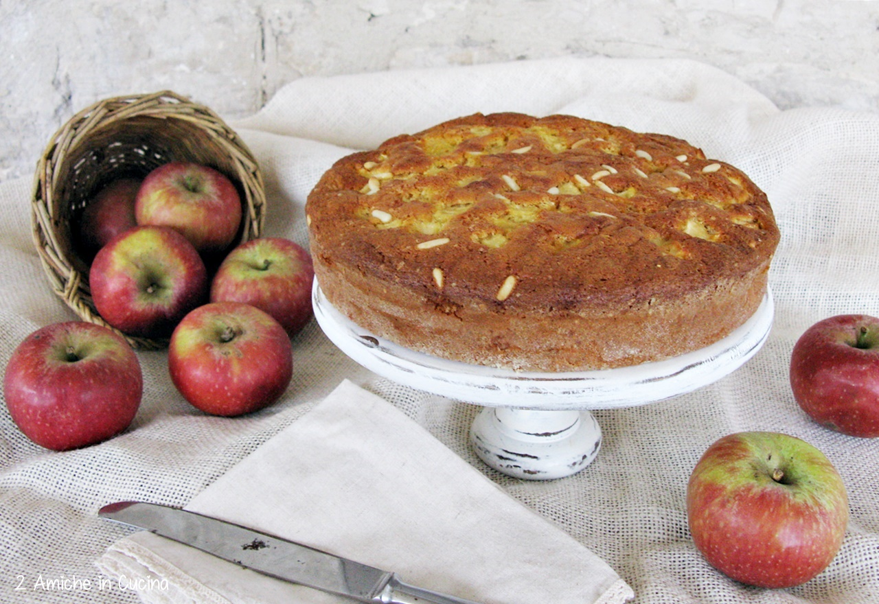 Torta di mele semi integrale con pinoli 1
