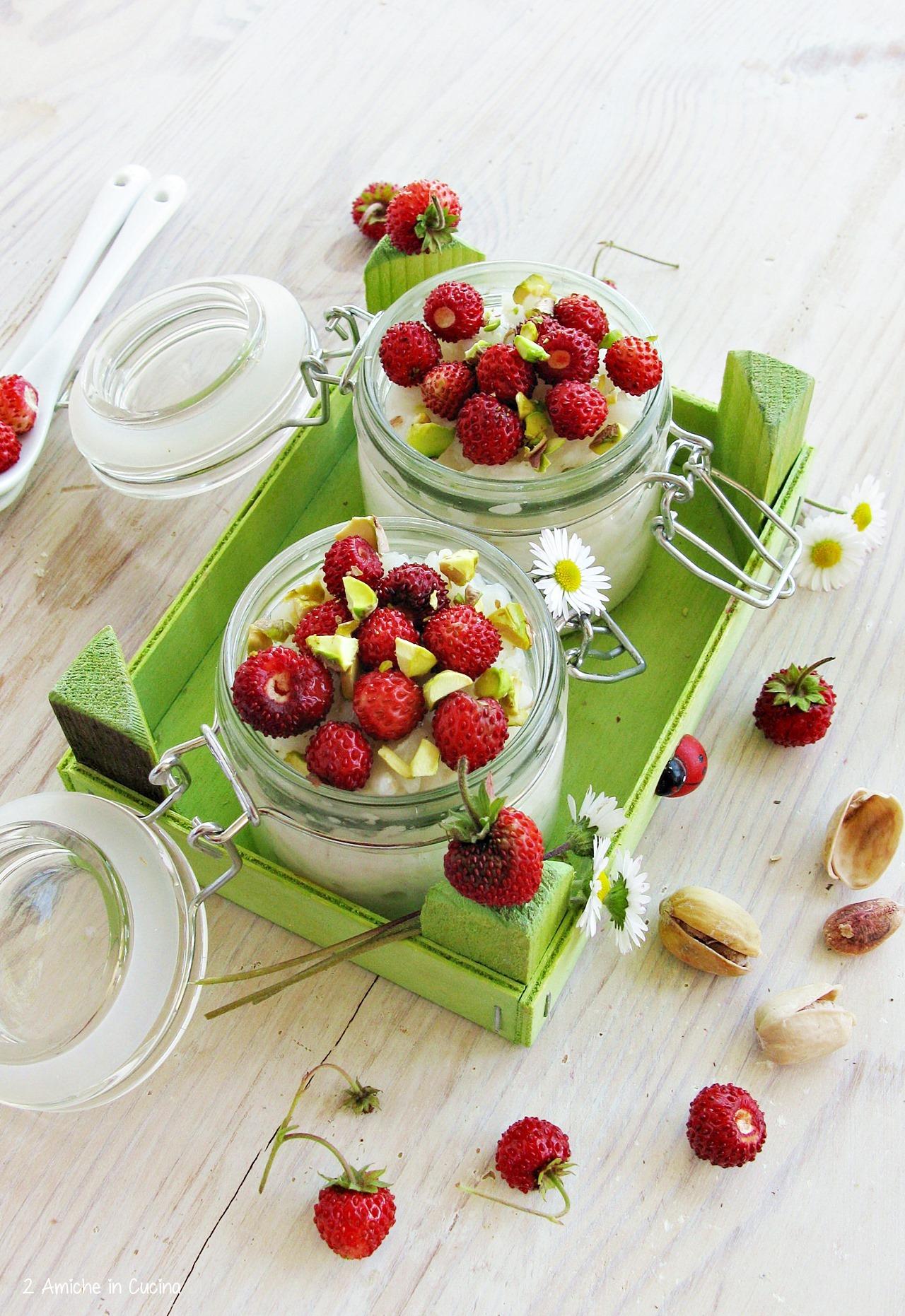 Risolatte alle fragole e pistacchi