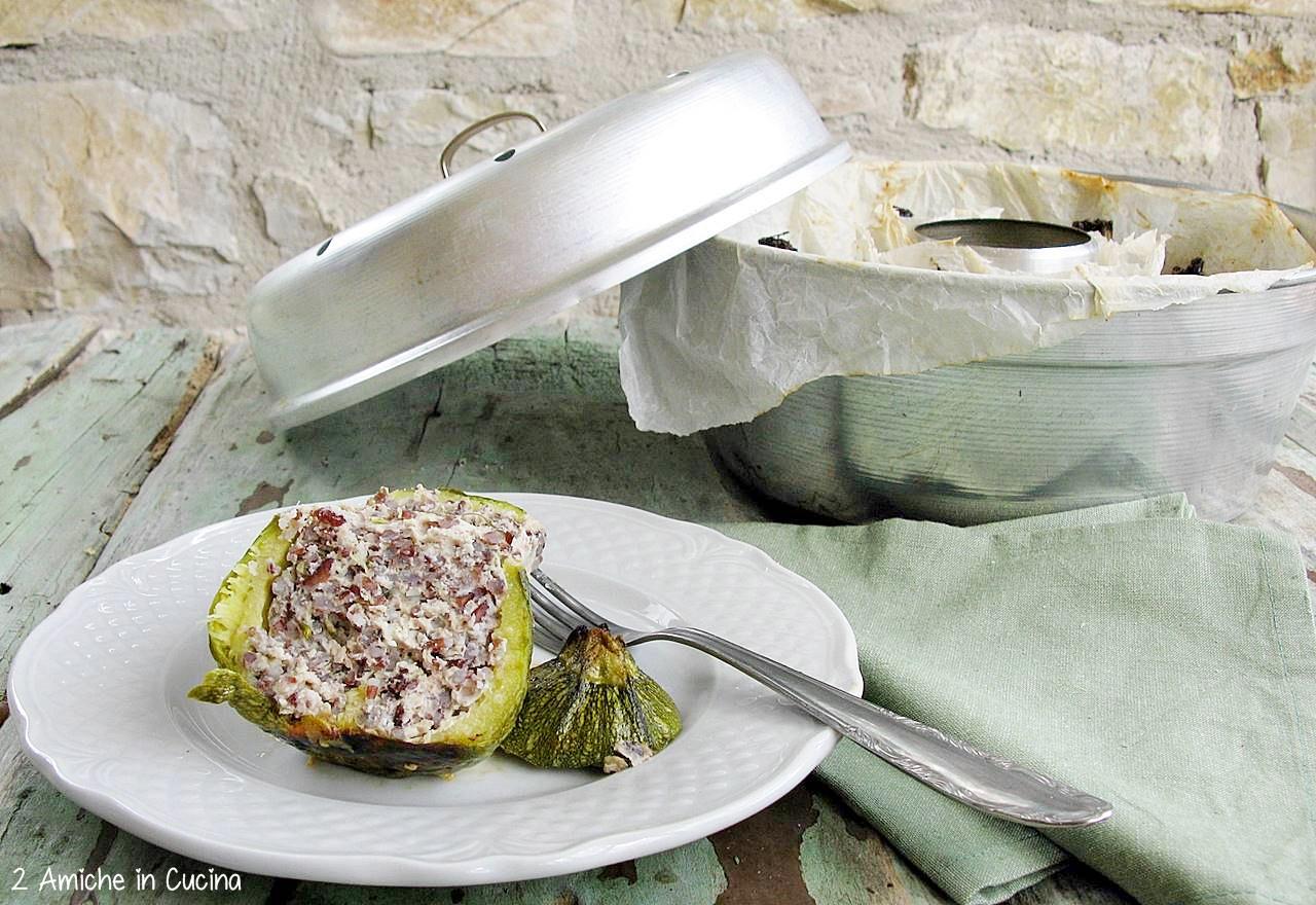 Zucchine ripiene di riso integrale e pollo nel fornetto Versilia