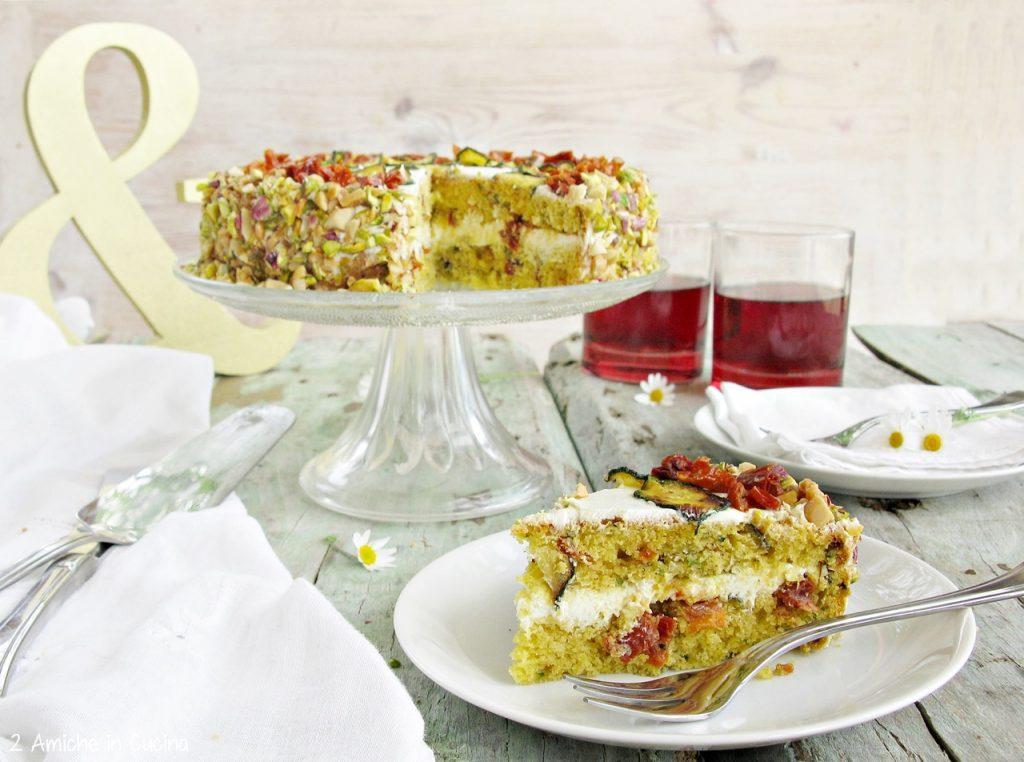 Torta salata con zucchine e pomodori secchi