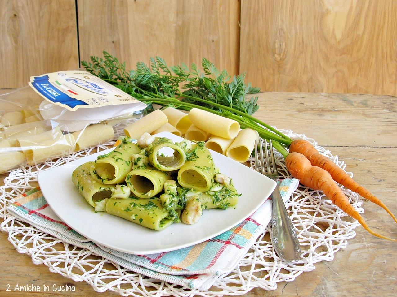 Paccheri al pesto di foglie di carote e merluzzo
