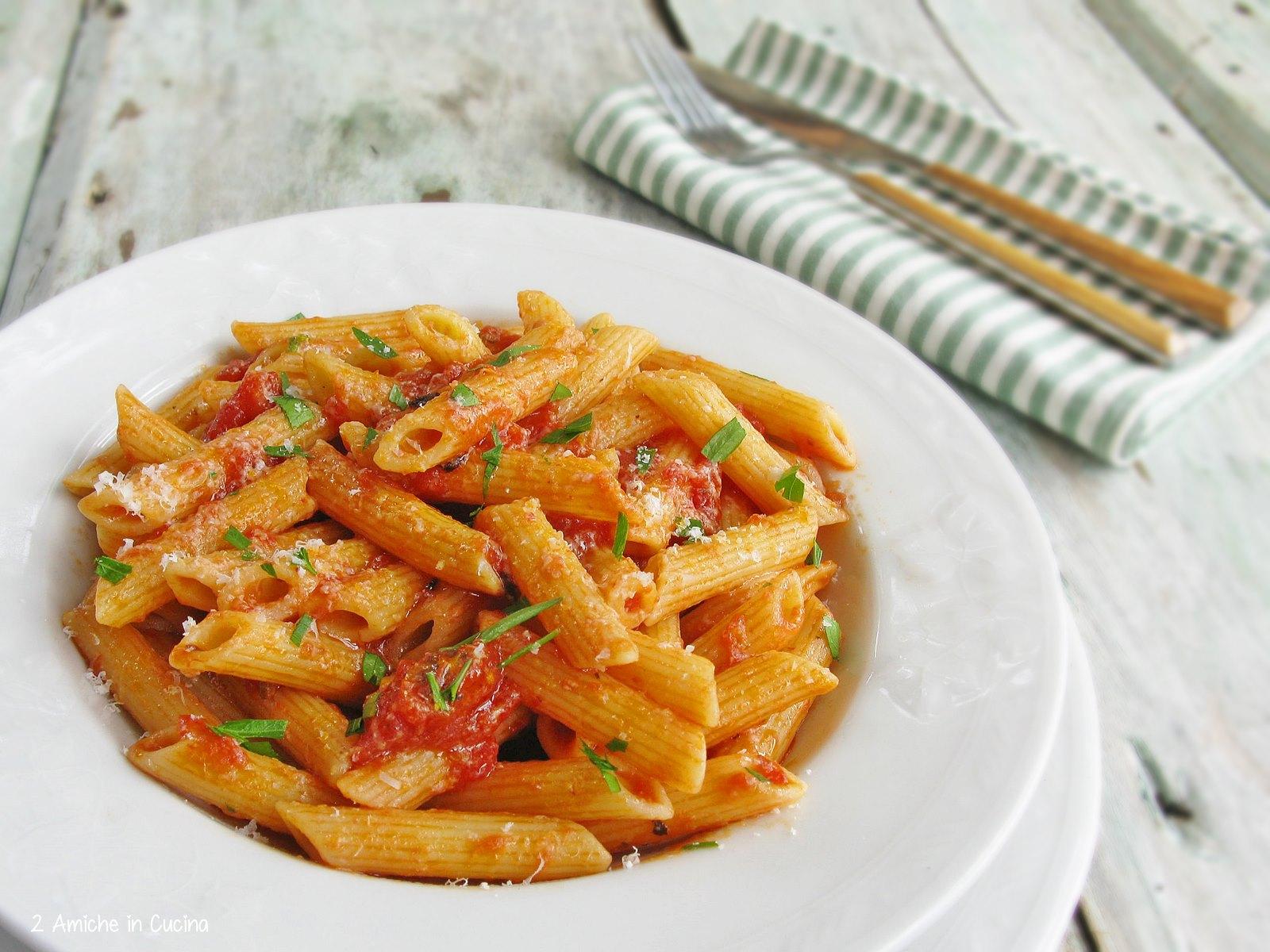 Penne all 39 arrabbiata ricetta tipica della cucina romana for Piatto tipico romano