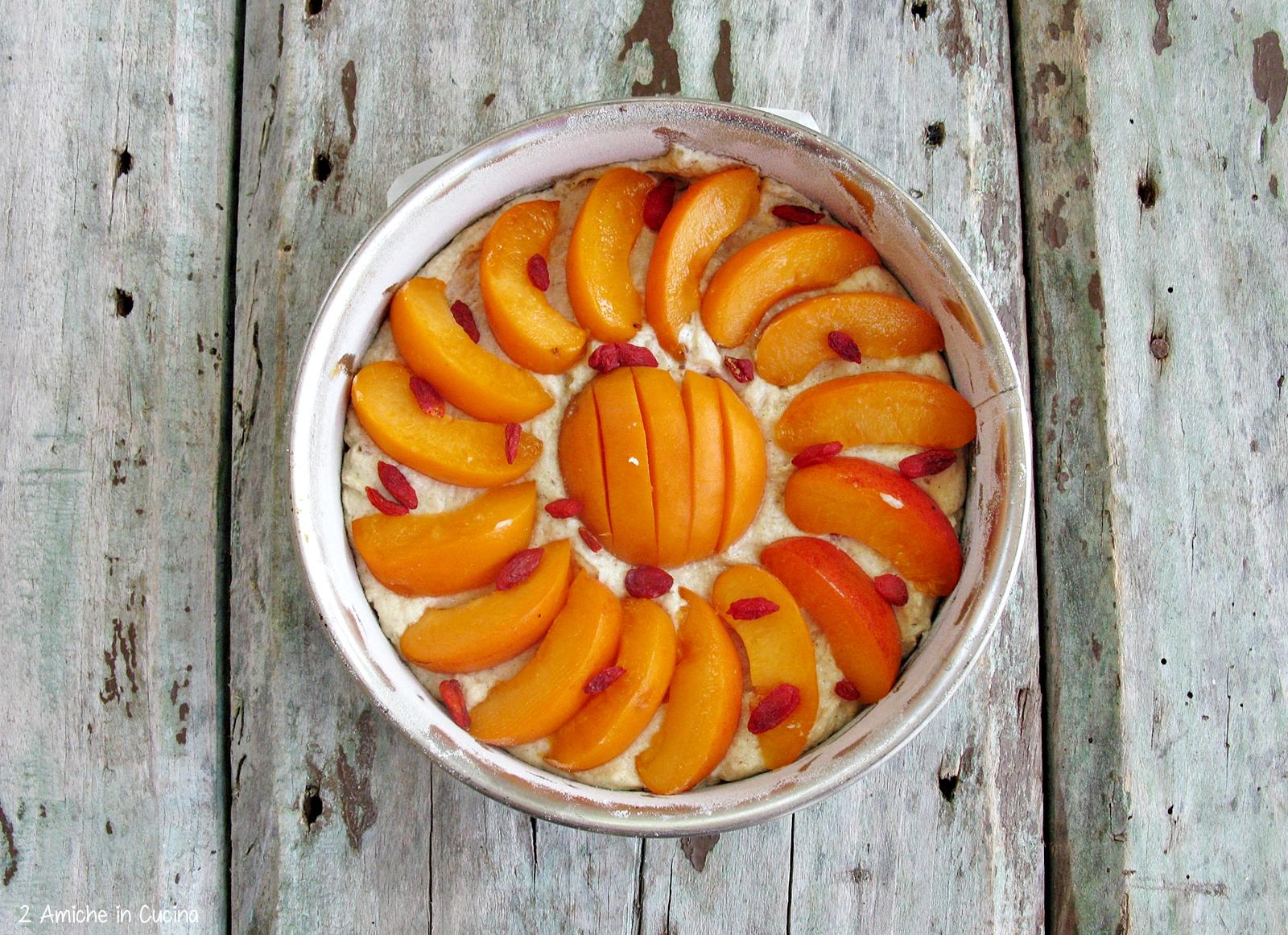 dolce con frutta estiva