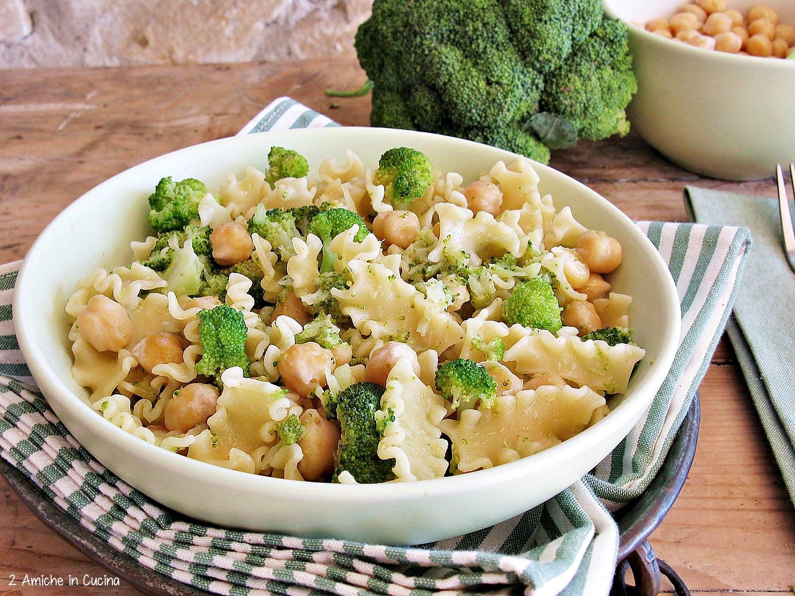 Pasta con broccoli e ceci - 2 Amiche in Cucina