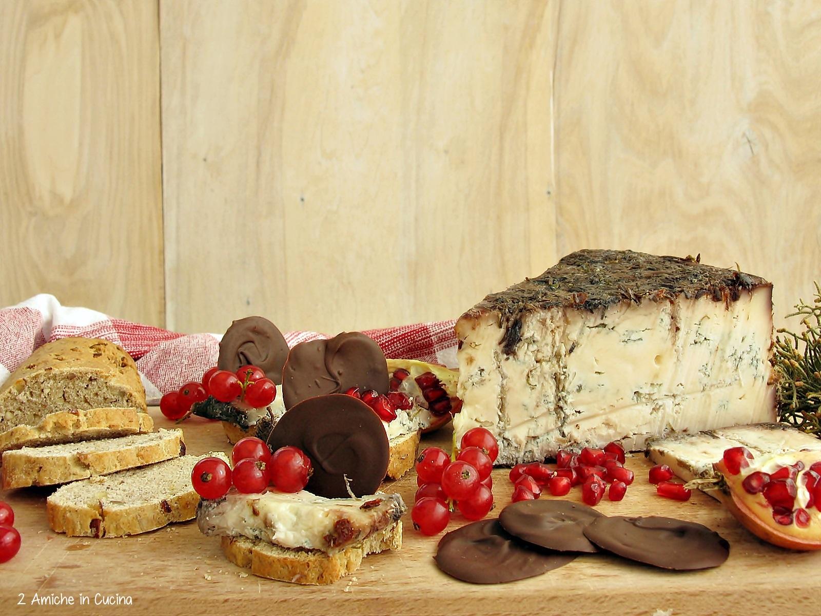 blu-di-bagnoli-con-pane-alle-nocciole-e-miele-frutti-rossi-e-cioccolato-fondente-2