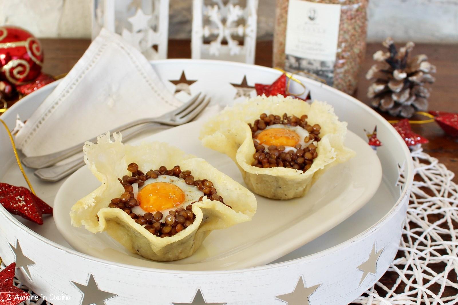 Cestini di parmigiano ripieni di lenticchie e uova di quaglia