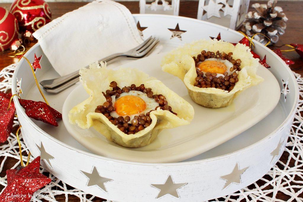 Cestini di parmigiano con lenticchie e uova di quaglia