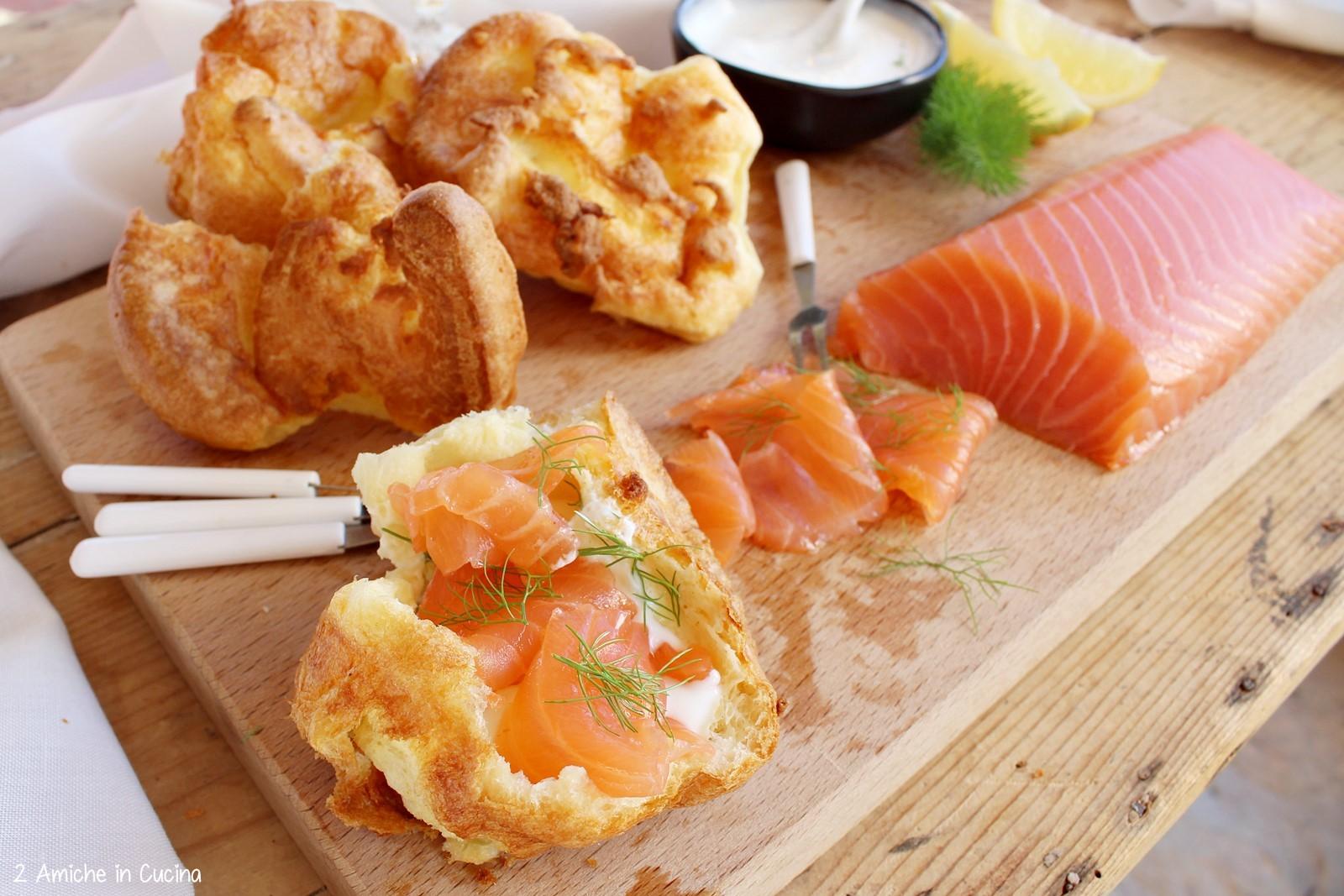 Salmone Loch Fyne e Yorkshire pudding di Jamie Oliver