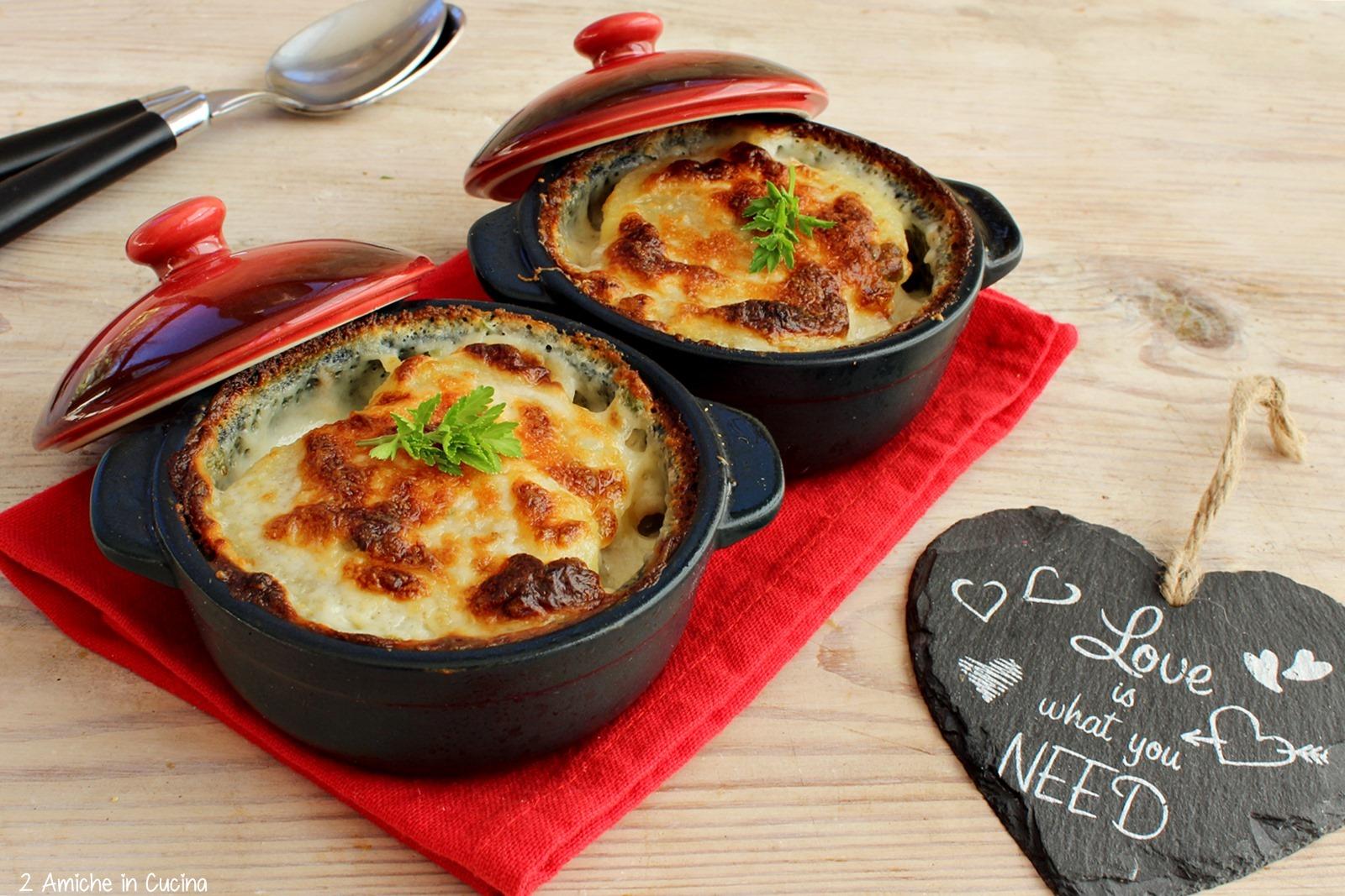 Patate gratinate con besciamella, tonno e pecorino
