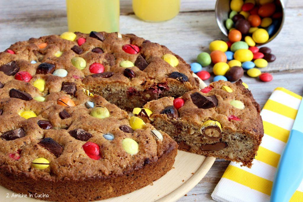 Dolci di carnevale, la torta cookie con m&m's e smarties