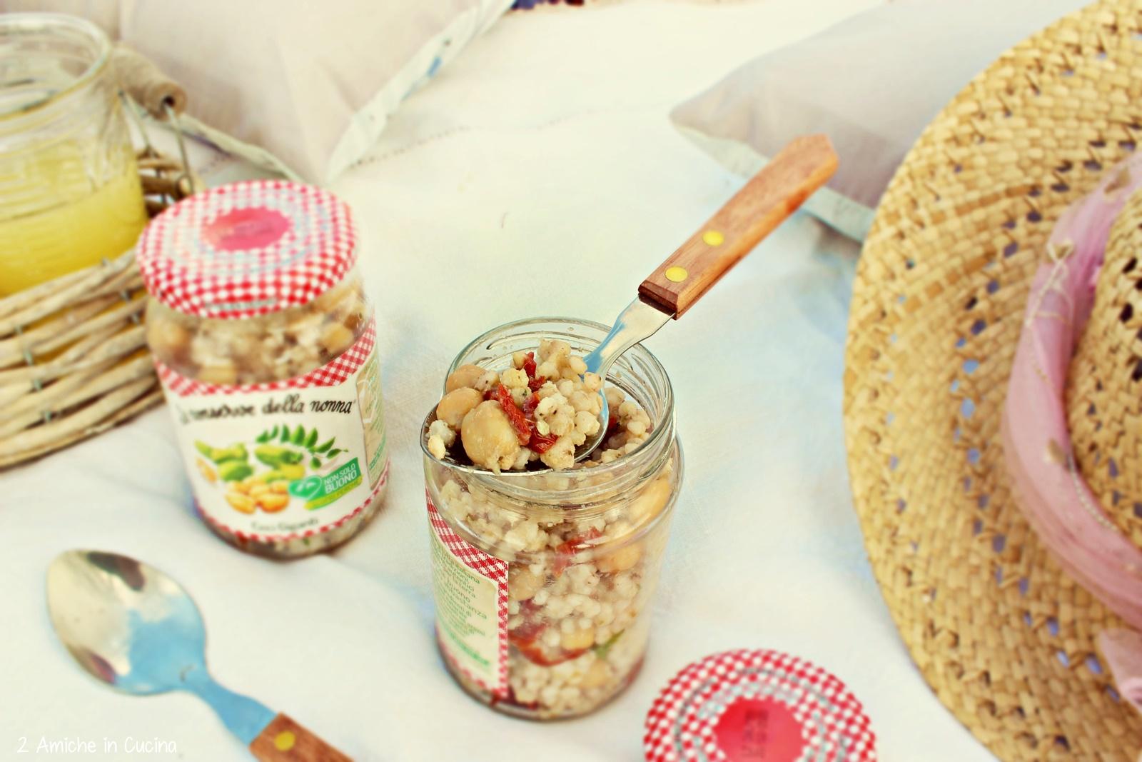 Sorgo con crema di carciofi, pomodori secchi e ceci