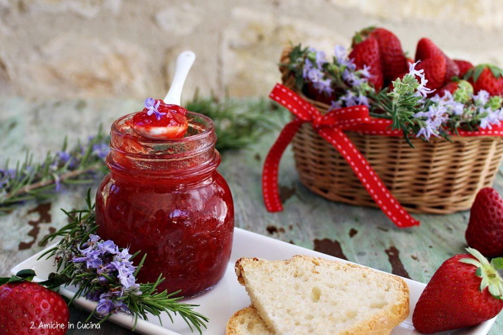 Confettura di fragole al rosmarino per #seguilestagioni