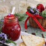Confettura di fragole e rosmarino