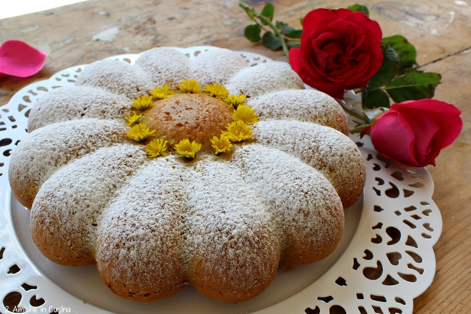 Torta margherita alle rose