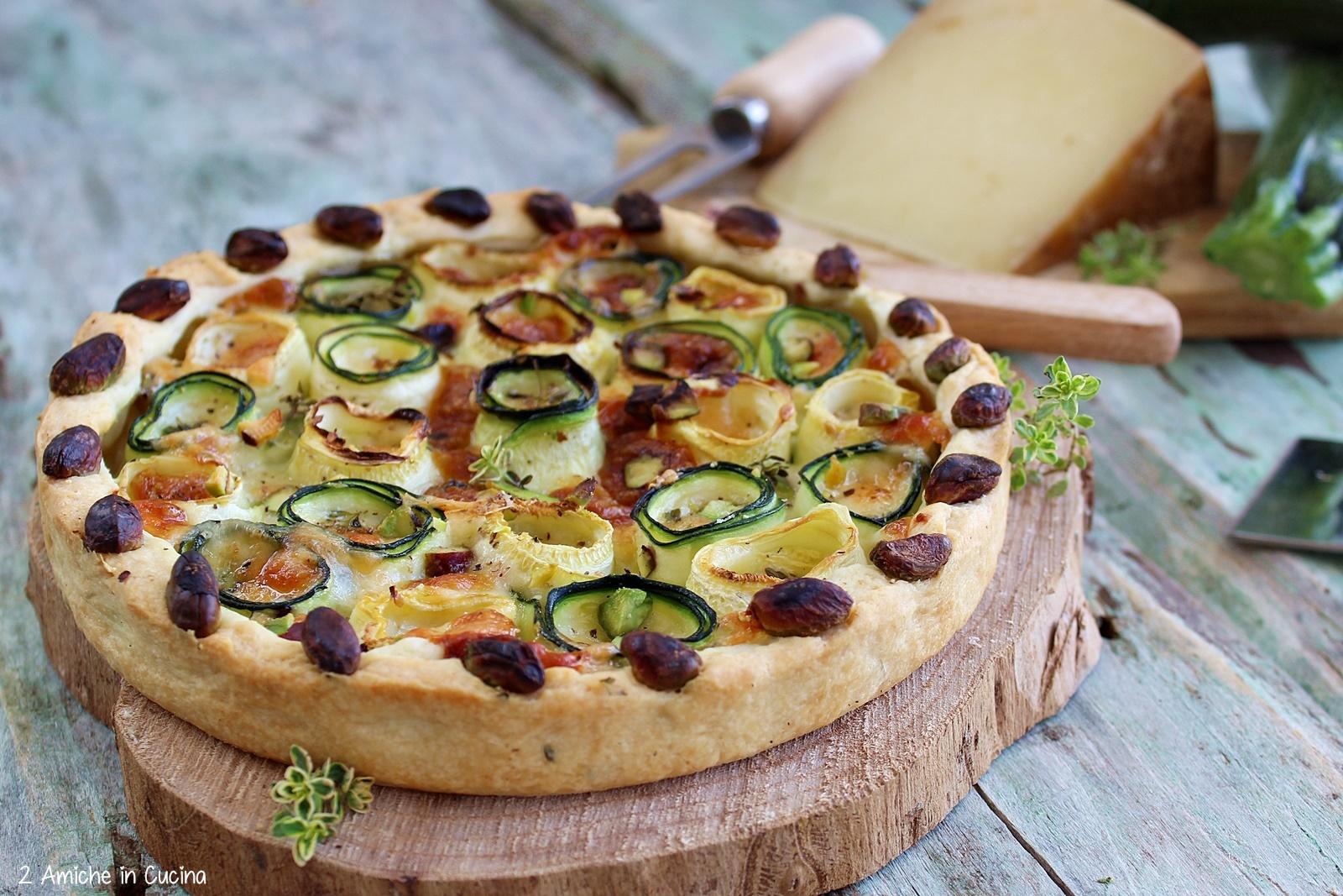 Torta salata zucchine, pecorino e pistacchi