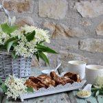 Tozzetti e infuso ai fiori di sambuco