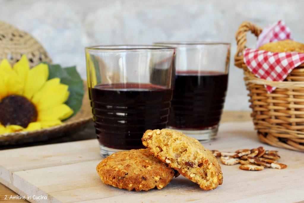 Cookies salati di miglio con fiocchi di fagioli e pecorino